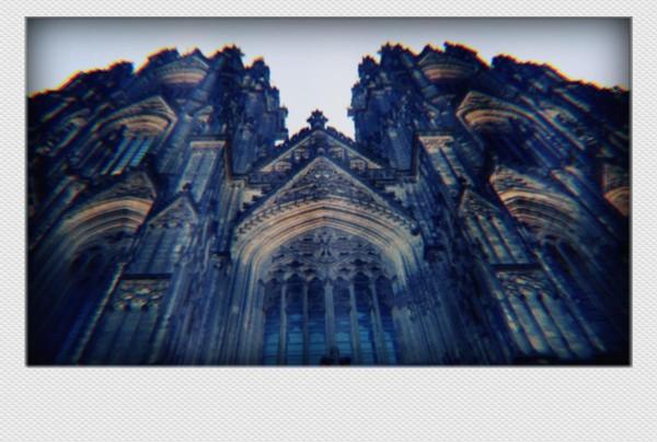 Köln Mini Polaroid Dom von unten auf MDF
