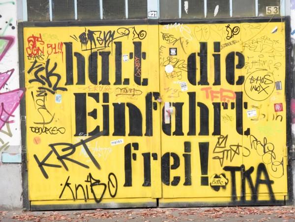 Mini Köln Halt die Einfahrt frei auf MDF
